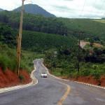 Governo inaugura estrada e entrega resfriadores de leite, em Rio Bananal