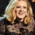 Adele se esquece de registrar o filho em Londres