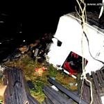Acidente com carreta e carro de passeio deixa dois mortos na BR 101
