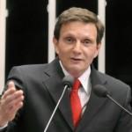 Lula e Dilma ajudam os pobres, que dão mais dízimo, diz ministro Marcelo Crivella