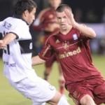 Com pênaltis duvidosos, Flu perde e está fora da Libertadores