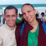 Padre larga batina e assume amor após engravidar jovem na Bahia