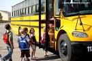 Criança de 5 anos é atropelada quando descia de ônibus escolar em Monte Sinai