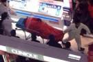 Morte na China: mulher compra demais e marido se joga da escada do shopping