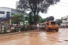 Após a pior enchente da cidade, moradores de Rio Bananal começam a limpeza