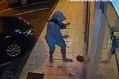 Câmera flagra tentativa de furto na Relojoaria Dazílio, em Barra de São Francisco