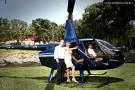 Casamento de Anna e Aurélio deixa convidados emocionados. Noivos chegaram de helicóptero.