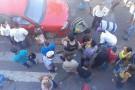 Homem de bicicleta é atropelado por automóvel no centro de Mantena