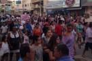 População de Mantenópolis vai às ruas protestando contra fechamento do hospital