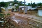 Moradores de Vila Paulista se unem para minimizar estragos causados por forte chuva