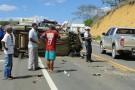 Três veículos ficam destruidos em acidente próximo ao trevo que dá acesso à Pancas