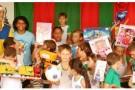 Papai Noel do Correios entrega prêmios em Vila Pavão