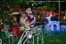 Praça de Barra de São Francisco está iluminada e a cidade em clima de Natal