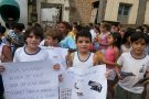 Com passeata, alunos do 3º ano conscientizam moradores no combate ao mosquito da dengue em Barra de São Francisco