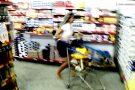 Cliente leva mais de R$ 500 em compras no 'Carrinho Maluco' da Casa do Cloro. Veja o vídeo da corrida