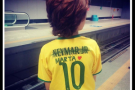 "Foto de criança viraliza, e hashtag ""sai Neymar, entra Marta"" bomba na web"