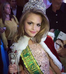Capixaba ganha concurso de Mini Miss Brasil em Porto Alegre