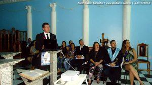 Dr. Ângelo Paglioni ministra palestra sobre 'Câncer de Mama' na Loja Maçônica Estrela de São João, em Mantena