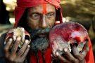"""Assam: Garota de 4 anos é """"sacrificada"""" por feiticeiro para encontrar celular perdido"""
