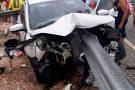 Guard-rail atravessa carro e pai morre ao voltar de formatura da filha na Bahia