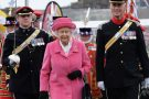 Rainha Elizabeth II quase leva tiro por engano de guarda real