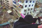 Marido salva esposa suicida segurando-a pelos cabelos, na China