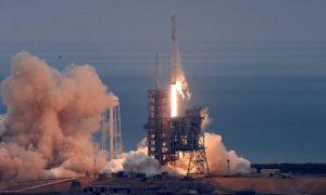 SpaceX lança foguete e reinaugura plataforma que levou Homem à lua