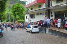 Candidatos formam enorme fila no primeiro dia de inscrição para o Processo Seletivo em Ecoporanga