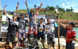 Pilotos de Minas Gerais e Espírito Santo participaram do Downhill em Mantena