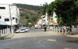Motociclista tem perna quebrada em acidente no centro de Ecoporanga
