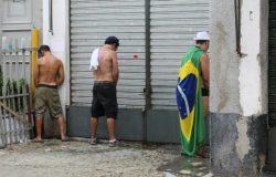 Câmara de vereadores de SP aprova Lei que estabelece multa de R$ 500,00 para quem for pego fazendo xixi na rua