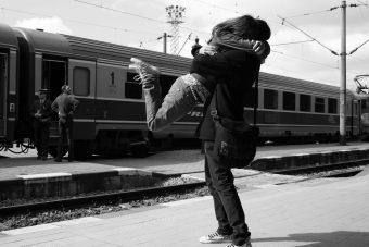Estudo conclui que abraços podem proteger contra estresse, depressão, infecção e gripe