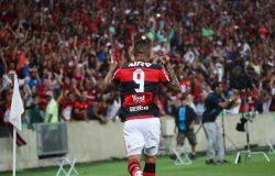 Com 2 de Guerrero, Fla derrota Botafogo e encara Flu na final do Carioca