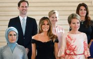 'Primeiro-marido' gay faz sucesso em fotografia com cônjuges  de líderes do G7