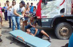 Acidente com moto e caminhão deixa um homem ferido em Mantena