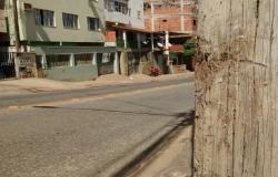 Acidente de moto mata vendedor em Colatina, ele bateu em um poste