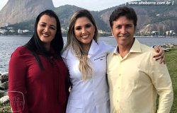 Marcos Toledo e Jussara Moreira esbanjam alegria com a formatura da filha Fernanda Toledo