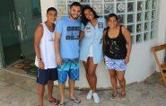Atriz Waleska Freitas visita familiares em Mantena