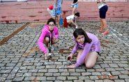 Católicos francisquenses preparam tapete para celebração do Corpus Christi; confira as fotos