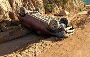 Motorista perde o controle e capota carro em estrada do interior de Nova Venécia