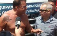Deputado paga R$ 1.200 e faz tatuagem definitiva com nome de Michel Temer no ombro