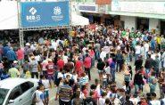 População de Ecoporanga lota praça para ouvir governador Paulo Hartung