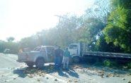 Motorista fica ferido em acidente com caminhão no Norte do ES