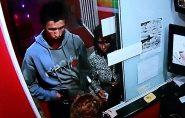 Casais assaltam motel no ES e roubam até travesseiro e camisinhas; veja vídeo