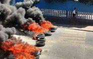Pais e alunos protestam contra Escola Viva, no Espírito Santo