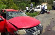 Acidente com micro-ônibus e três carros deixa feridos em Nova Venécia