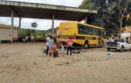 Moradores de Água Doce do Norte passam a noite com fome, sede e frio na beira da estrada