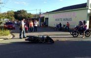 Jovem tem fratura exposta após sofrer acidente de moto em Mantena
