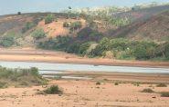 Nível baixo do Rio Doce dificulta captação de água em Colatina
