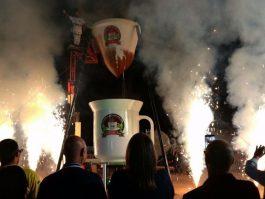 Mais de 8 mil litros de café são preparados em coador gigante durante festa em Brejetuba
